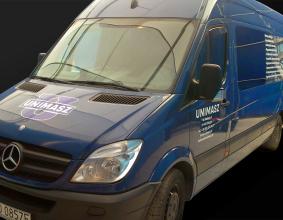 Oklejenie samochodu firmy Unimasz