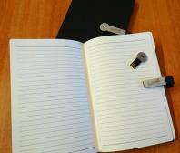 Notes z grawerem i pamięcią flash dla firmy Selmag